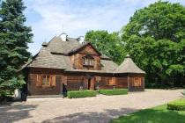 Dwór-w-Ożarowie-oddział-Muzeum-Ziemi-Wieluńskiej