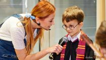 WMiejskiej iGminnej Bibliotece Publicznej wWieluniu odbył się bajkowy bal kostiumowy dla dzieci