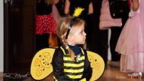 WPowiatowym Młodzieżowym Domu Kultury iSportu wWieluniu odbył się karnawałowy bal kostiumowy