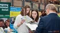 Targi Edukacyjne Szkół Wyższych iPolicealnych odbyły się whali WOSiR wWieluniu