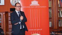 Rzecznik Praw Obywatelskich drAdam Bodnar gościł wZespole Szkół nr2 wWieluniu