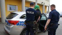 Zatrzymano mężczyznę poszukiwanego czterema listami gończymi przezSąd Rejonowy wWieluniu
