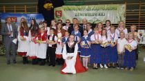 WOsjakowie tanecznie uczczono święto folkloru powiatu wieluńskiego