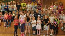 Wieluńska policja zorganizowała spotkanie zdziećmi natemat bezpieczeństwa wczasie wakacji