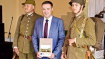 """Wśrodę odbyła się promocja albumu """"Wierzchlas nastarej fotografii"""" Przemysława Buckiego"""
