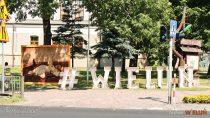 Wwieluńskim parku ponownie można zobaczyć reprodukcje słynnych obrazów