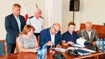 Podpisano umowy nadofinansowanie jednostek OSP zpowiatu wieluńskiego