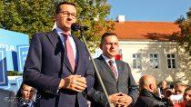 Premier Mateusz Morawiecki wsobotę spotkał się zmieszkańcami Wielunia