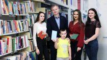 """WPowiatowej Bibliotece Publicznej wWieluniu ogłoszono wyniki konkursu """"Selfie wbibliotece"""""""