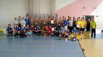 Drużyna Publicznej Szkoły Podstawowej wBiałej wygrała wMistrzostwach Powiatu Wieluńskiego wunihokeju Chłopców