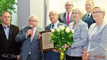 Wbibliotece miejskiej odbyła się uroczystość nadania Andrzejowi Zawadzie godności Honorowego Członka Wieluńskiego Towarzystwa Naukowego