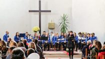 Uczniowie zespołu Szkół Specjalnych wWieluniu przygotowali uroczystość zokazji 100-lecia odzyskania przezPolskę niepodległości