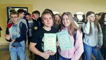 Brązowe medale dla reprezentacji Zespołu Szkół nr1 wPółfinale Mistrzostw Województwa Łódzkiego wpływaniu drużynowym