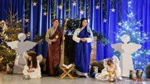 WSpecjalnym Ośrodku Szkolno-Wychowawczym wGromadzicach uczniowie wystawili Jasełka Bożonarodzeniowe