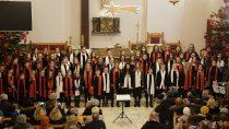 Wkościele św.Stanisława odbył się Koncert Kolęd wwykonaniu wieluńskich chórów