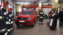 Wieluńska straż pożarna otrzymała nowy samochód rozpoznawczo – ratowniczy