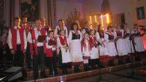 """Wkościele p.w. św.M. Magdaleny wOżarowie odbył się XI Gminny Przegląd Kolęd """"Śpiewajcie igrajcie Mu"""""""