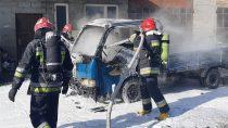 Cztery zastępy straży gasiły pożar samochodu dotransportu butli gazowych wmiejscowości Ruda