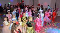 WDomku Harcerza zorganizowano dla dzieci Walentynkowy Bal Karnawałowy