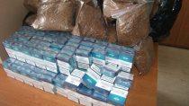 2600 szt. papierosów i19,5 kg tytoniu bezakcyzy zajęli funkcjonariusze celno-skarbowi wWieluniu iBurzeninie