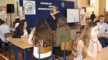 WTechnikum SPSK wWieluniu odbył się II Regionalny Konkurs Matematyczno – Chemiczny