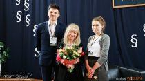Sędzia Anna Maria Wesołowska spotkała się wII LO zuczniami iich rodzicami zpowiatu wieluńskiego