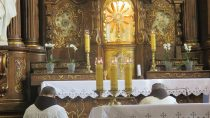 Wkościele o. Franciszkanów wWieluniu odbyło się nabożeństwo ekspiacyjne