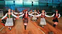 Około 100 par wzięło udział wIOgólnopolskim Turnieju Tańca Narodowego whali WOSiR wWieluniu