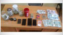 Wieluńscy policjanci zatrzymali 3 osoby mające związek zprocederem narkotykowym
