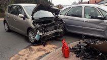 Zderzenie dwóch pojazdów przyczyną plamy substancji ropopochodnych naskrzyżowaniu ul.Prostej zul.Kosynierów wWieluniu