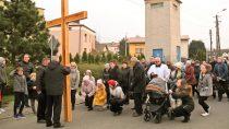 Wierni zOsiedla zaSzpitalem wWieluniu odprawili Drogę Krzyżową