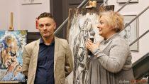 WStacji Kulturalnej Wieluń-Dąbrowa wdalszym ciągu można oglądać wernisaż Krzysztofa Jackiewicza