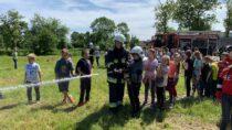 Strażacy zGminy Mokrsko odbyli manewry wbudynku Zespołu Szkół iPrzedszkola wMokrsku