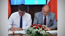 WŁódzkim Urzędzie Wojewódzkim podpisano umowy nadofinansowanie rządowe zFunduszu Dróg Samorządowych