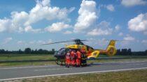 Na113 kilometrze trasy S8 wkierunku Wrocławia doszło przedpołudniem dowypadku. Dwie osoby poszkodowane
