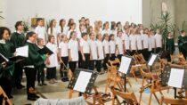 """Koncert """"Muzyka – most między światami"""" rozbrzmiał wmurach kościoła św.Barbary wWieluniu"""