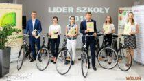 """Sześciu liderów szkół otrzymało 6 rowerów podczas podsumowania akcji """"Lider Szkoły 2019"""""""