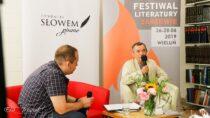 """Poeta Józef Baran był pierwszym gościem Festiwalu Literatury ,,Zarzewie"""" wbibliotece powiatowej wWieluniu"""