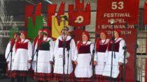Sukces śpiewaków zOżarowa iChotowa w53. Ogólnopolskim Festiwalu Kapel iŚpiewaków Ludowych
