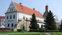 Nastąpiła zmiana godzin pracy Muzeum Ziemi Wieluńskiej iMuzeum Wnętrz Dworskich wOżarowie
