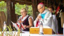 WDolinie Objawienia wewsi Kałuże odprawiono nabożeństwo wintencji kobiet zziemi wieluńskiej