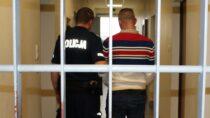 Prokurator zProkuratury Rejonowej wWieluniu zastosował dozór 35-latka podejrzanego okradzież zwłamaniem