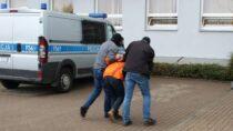Sprawca seksualnego wykorzystania osoby małoletniej ujęty. Policja poszukuje pokrzywdzonych