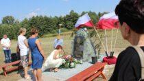 WMokrsku odsłonięto tablicę upamiętniającą ofiary II Wojny Światowej zGminy Mokrsko