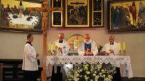 Eucharystia wintencji chorych wSanktuarium Matki Bożej Pocieszenia wWieluniu