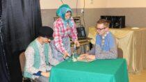 """Młodzież zeŚwietlicy Wiejskiej wChotowie podsumowała projekt grantowy """"#natropie"""""""