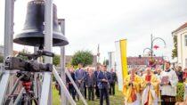 Dzwon ufundowany przezPrezydenta RP Andrzeja Dudę nastałe zagościł przy wieluńskiej farze