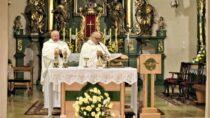 Wkościele sióstr Bernardynek odbyła się doroczna Msza święta wintencji ludzi walczących zchorobą nowotworową