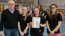 Reprezentacje dziewcząt ichłopców zZS nr1 zdobyły 4 miejsca wfinale mistrzostw województwa wbadmintonie