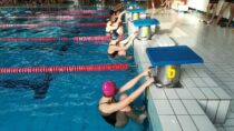 Reprezentanci ZS nr1 wWieluniu wywalczyli brązowe medale wpółfinale Mistrzostw Województwa wpływaniu drużynowym